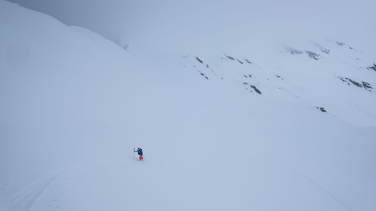 Warten im Nebel. Skitour in Südtirol | Pauli Trenkwalder, Berge & Psychologie